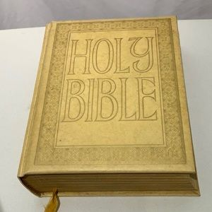 Holy Bible Gold Seal Edition Master Reference